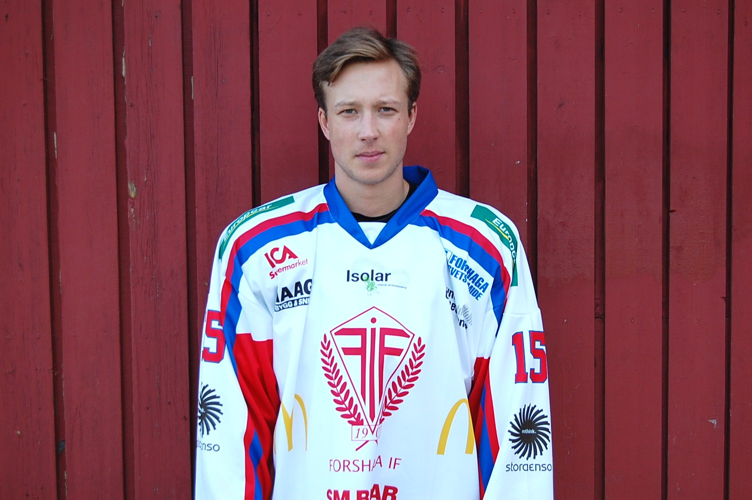 15 Philip Karlsson